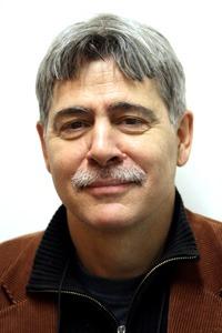 Orosz István: Az 1980-as évek végéig a plakát fontos, meghatározó vizuális üzeneteket, információkat hordozó szerepet töltött be a társadalmakban