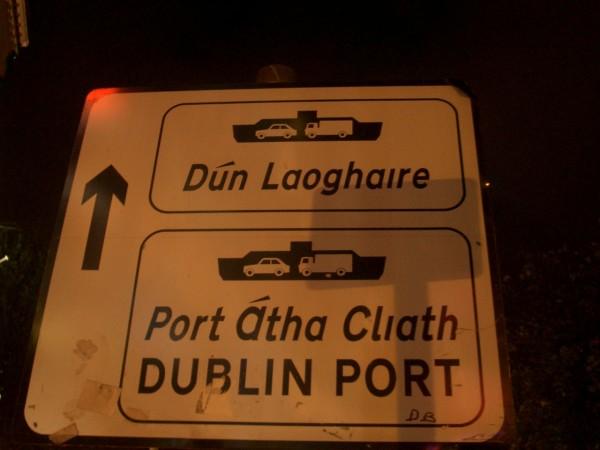 Írországban a gael az ország hivatalos nyelve, az angol csak a második. Annak ellenére, hogy a gaelt az ország 4,6 millió lakosából csupán 1,6 millióan beszélik