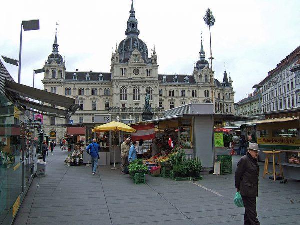 Graz főtere. A város igazi ékszerdoboz