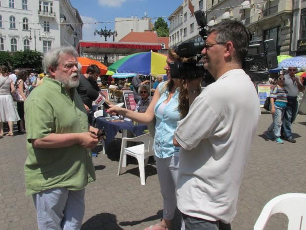 Parti Nagy Lajos egy tévétársaságnak nyilatkozott. Fotó: b-c