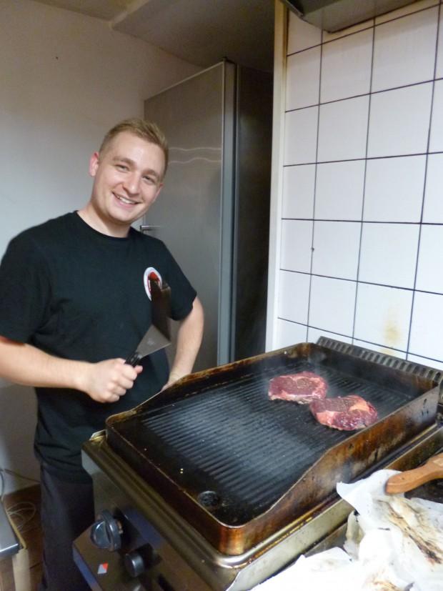 Csaba a húsok sütésének mestere