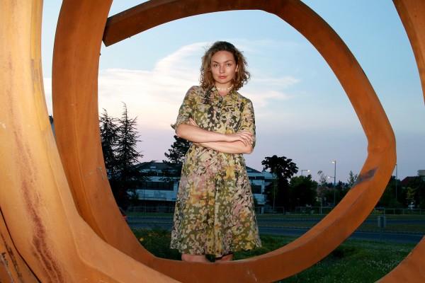 Lukács Viola kurátor maga navigálta a gigantikus szobor felállítását