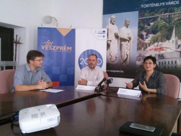 Ferenczi Gábor, Józan György és Brányi Mária a sajtótájékoztatón. Fotó: a szerző