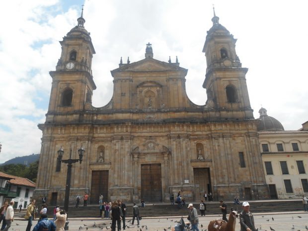 plaza_de_bolivar_katedralis