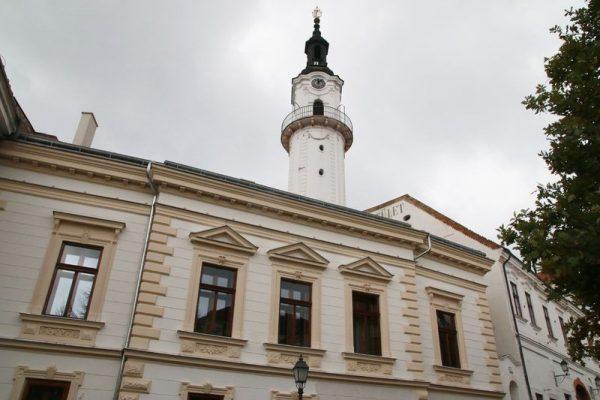 Az épületet kívülről is szépen felújították, ez a ház ad majd otthont a Simicska családnak