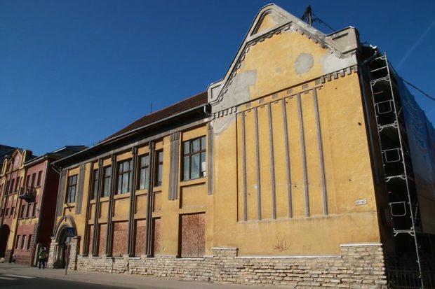 Talán az egykori ének-zenei iskola és a régi mozi épülete is megújulhatna