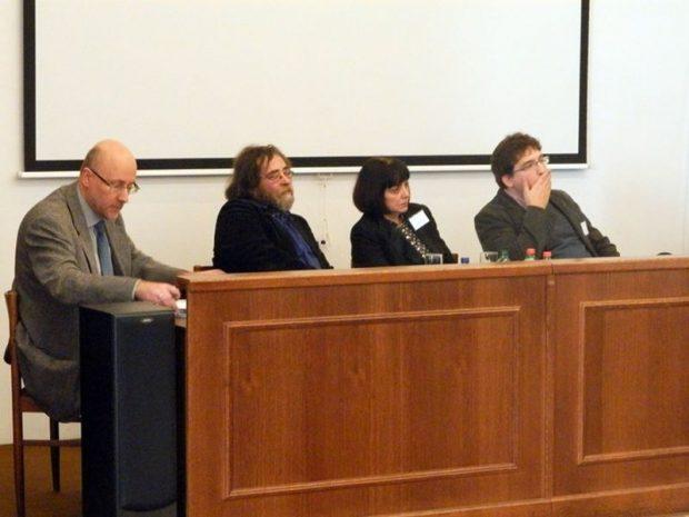 Horváth Géza, Kálmán C. György, Jeney Éva és Kovács Gábor (balról jobbra) a konferencián