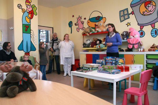 Az adományokat Szunyogh Szandra (jobbról) adta át. Fotók: Nagy Lajos