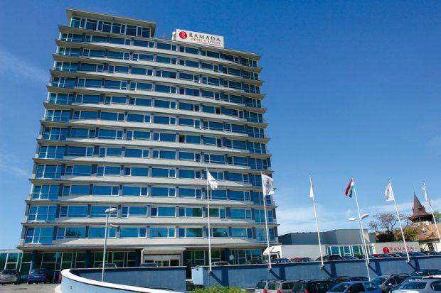 Az almádi Ramada Hotel is szóba jöhet a 200 szobájával az esetleges olimpiai vendégek elhelyezésére (vistahungary)