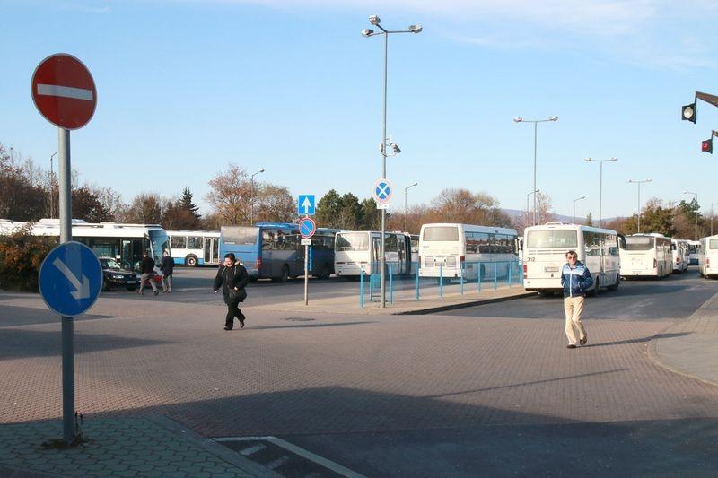 Az autóbusz-páyaudvart kitelepítenék a belvárosból. Archív fotó: Nagy Lajos