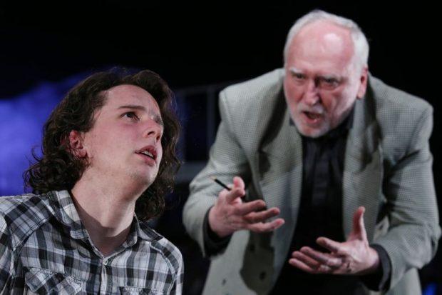 Alen (Szelle Dávid) és Martin, a pszichiáter (Blaskó Péter)