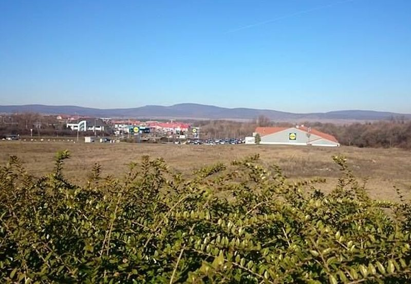 A tervek szerint a Lidl és az Aldi áruház közötti területen épülne fel a fűtőmű