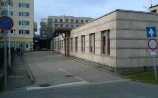 KÓRHÁZ – Új parkolási rend a mentőbeállónál
