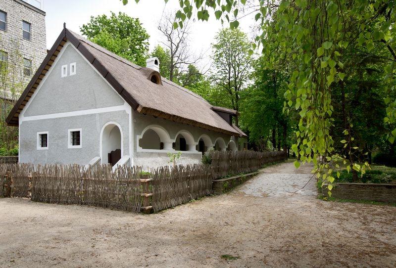 Kívül és belül megújult a Bakonyi Ház. Fotók: Laczkó Dezső Múzeum