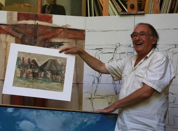 Kádár Tibor gyerekkori akvarelljét mutatja. Fotók: Nagy Lajos