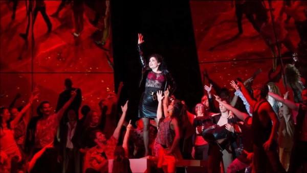 Nem mindennapi élményben lesz része a közönségnek szombaton a Veszprém Arénában. Fotó: Petőfi Színház