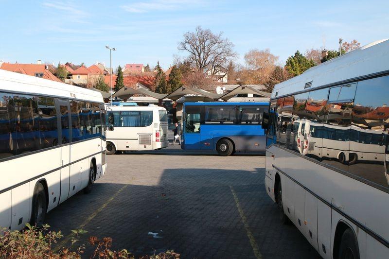 A tervek szerint az autóbusz-pályaudvart a vasútállomás mellé költöztették volna. Archív fotó: Nagy Lajos