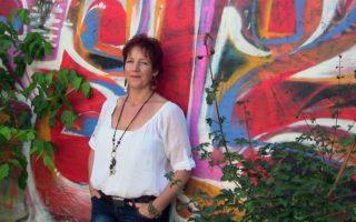 JULCSI-VARÁZS – Művész, mágikus üvegvilágban