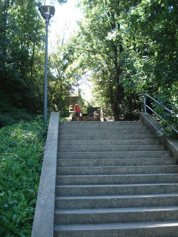 Giricses lépcső