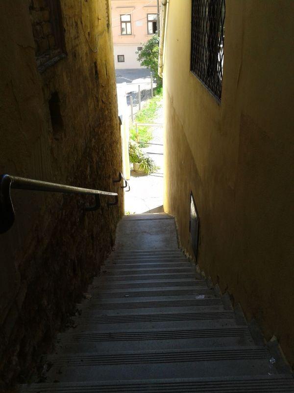 Sörház lépcső