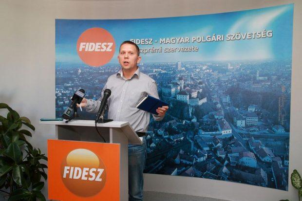 Kész Zoltán független országgyűlési képviselő Némedi helyére pattanva íziben válaszolt az elhangzottakra