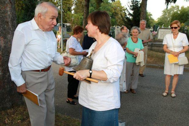 Dr. Papp Sándor, a kórus egykori elnöke és Erdélyi Ágnes karnagy az emlékezésen