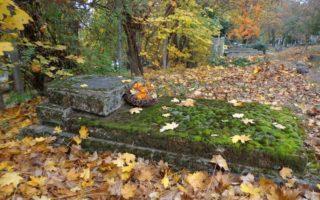 HÁROM NAP – Élők és holtak világa