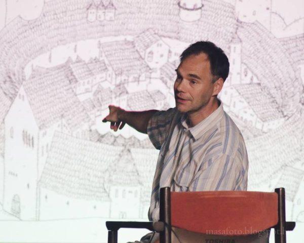 Kovács Gáborján mesél. Fotó: Móth Masa