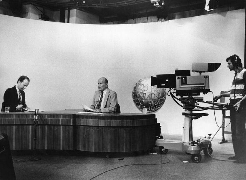 Archív felvétel egy régi tévéhíradóról