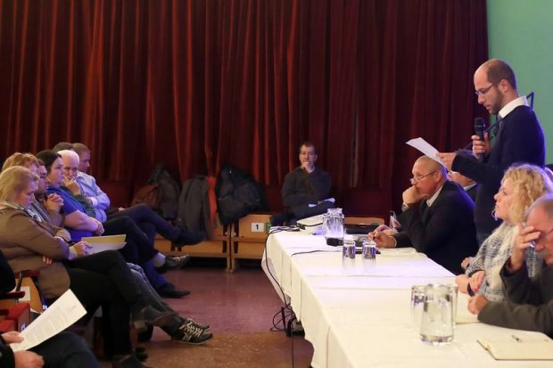 Erdősi Gábor, Balatonfűzfő alpolgármestere felolvasta a Fejér Megyei Kormányhivatal október 3-án kézhez kapott levelét