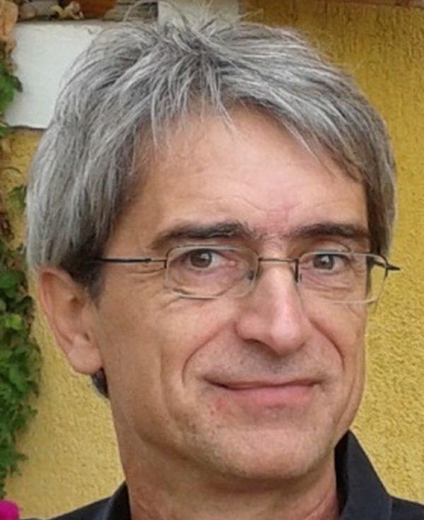 Dr. Pósfai Mihály: Világszínvonalú elektronmikroszkópos laboratórium létrehozására nyert támogatást a Pannon Egyetem