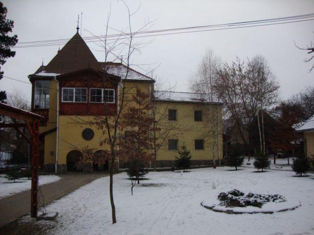 Böjte Csaba kovásznai gyermekotthona. A régi kúria 38 gyereknek ad otthont