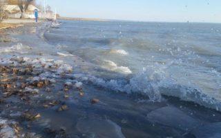 BALATON – Csak a szél jeges