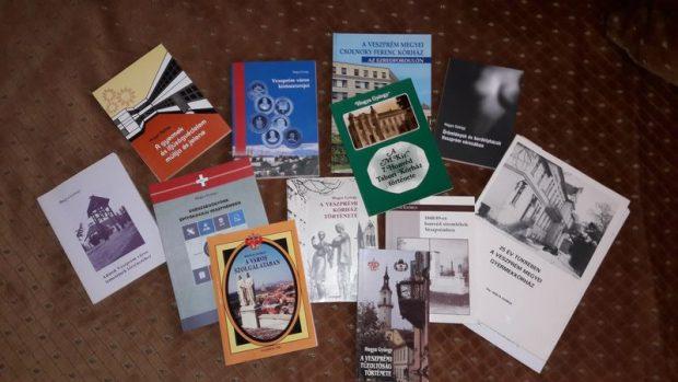 Gyuri bácsi helytörténeti könyveinek egy része