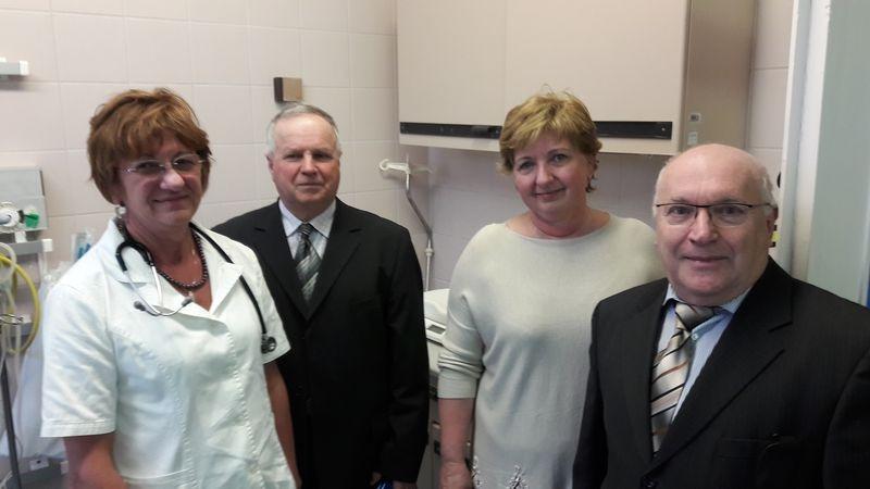 A képen balról jobbra: dr. Szabó Éva, Bittmann Károly, dr. Benczik Adrienn, Hédl József.   Fotók: a szerző