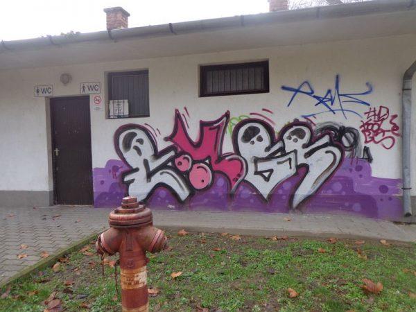 A falfirkálással történő rongálás büntetése egy évig terjedő szabadságvesztés is lehet. Fotó: gombás