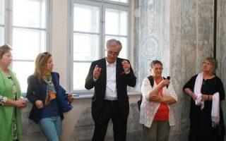 FINISSZÁZS – Kiürül a Dubniczay-palota