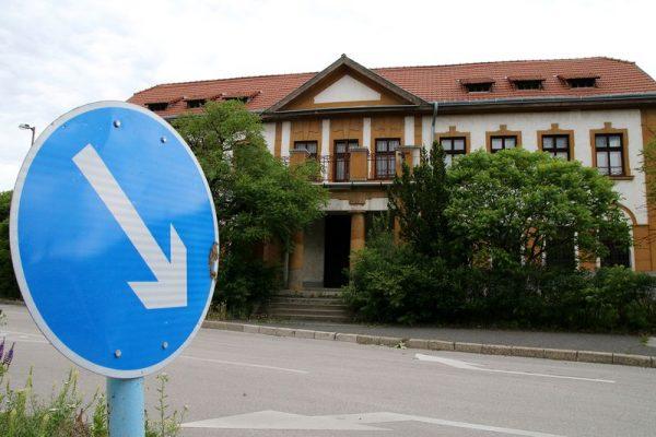 A zeneiskola régi épületét az önkormányzat eladásra szánta, de úgy tűnik, nem jött össze az üzlet, így az ingatlan évek óta kihasználatlanul áll. Fotó: Nagy Lajos