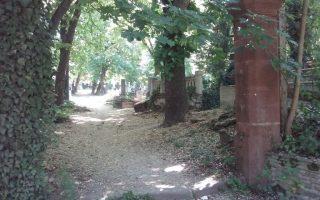 NAPIMORGÓ – Elvitték a temetőkaput