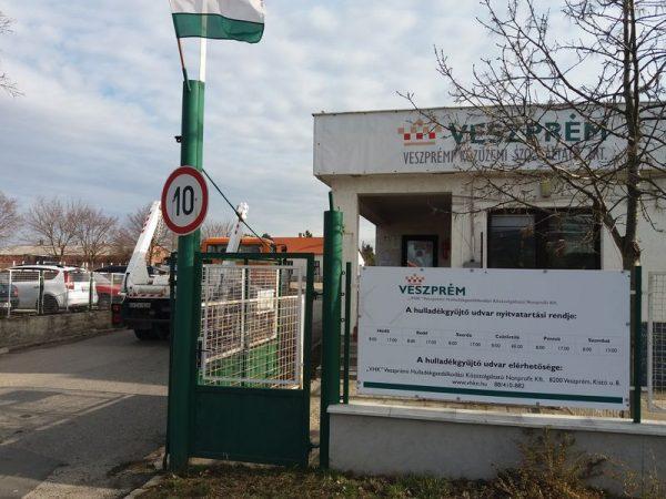 A veszprémi hulladékgazdálkodó az úgynevezett közreműködő szervezet. Fotó: Veszprém Kukac archív