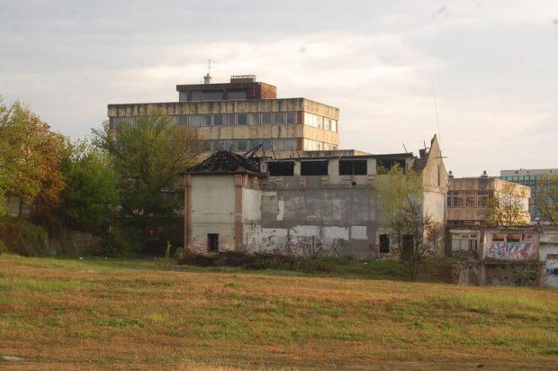 Az egykori Balaton Bútorgyár területének hasznosítására is sor kerülhetne. Fotó: Nyéki Roland