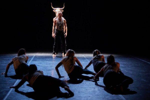 Dusa Gábor fotója a Közép-Európa Táncszínház előadásáról