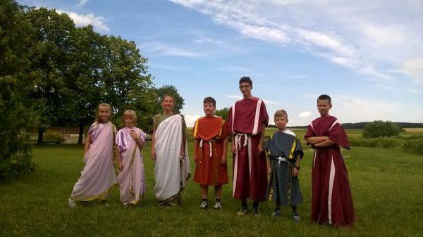 A táborozók rómia kori polgároknak érezhetik magukat egy hétig. Fotó: Villa Romana Baláca