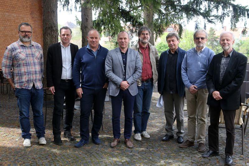A művészeti tanács tagjai. Fotó: Veszprém polgármesteri hivatal