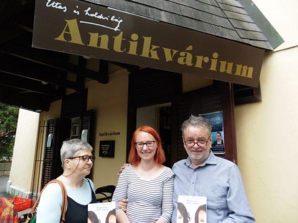A képen balról jobbra: Farkasné Márti, Klausz Melinda és Molnár Sándor. Fotók: a szerző