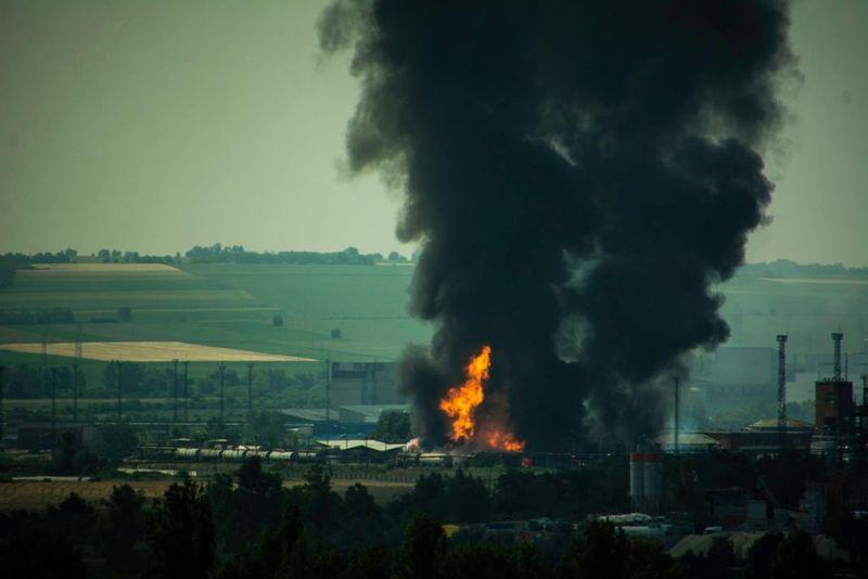 A füstoszlopot több kilométerről is látni lehetett. Fotó: varpalotaihircentrum.hu