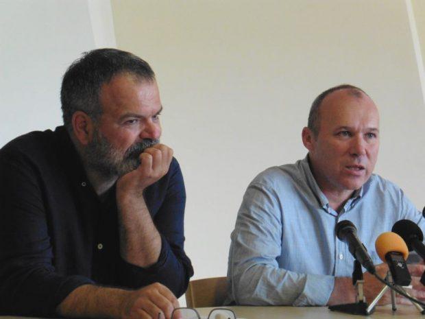 Muraközi Péter, az Utcazene Fesztivál kitalálója és motorja, valamint Porga Gyula polgármester a sajtótájékoztatón. Fotó: a szerző