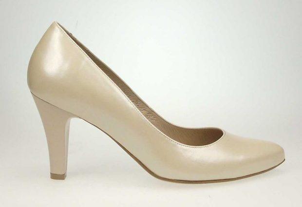 Örökös darab a báli cipő