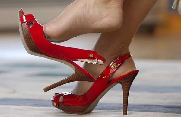A cipőnél kezdődik a nő... Fotók: Internet