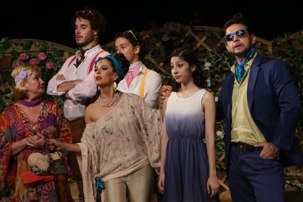 A Pannon Várszínház legújabb sikerdarabja a Mágnás Miska című operett. Fotó: Pannon Várszínház